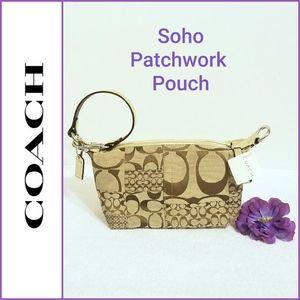 🆕️ 💯 Authentic Coach Patchwork Pouch F41518